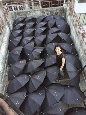 届けるぞニコニコ傘